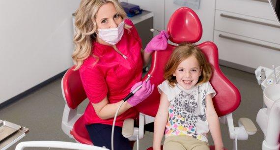 Quando iniziare a lavare i denti ai bambini?